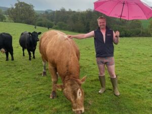 Read more about the article Farmers raising £1,000s with Bulls Out for Cancer