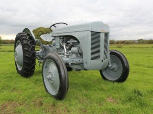 Read more about the article 75 years of Grey Fergie at the Vintage Tractor Show