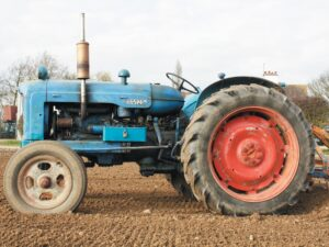 Read more about the article Blue Force at the Vintage Tractor Show